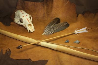 Flèche de style amérindienne à pointe en obsidienne